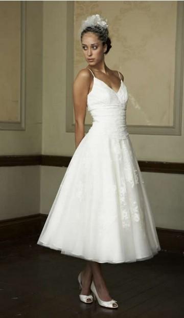 ALLURING SPAGHETTI STRAPS EMBROIDER ORGANZA KNEE LENGTH DISCOUNT bröllopsklänning